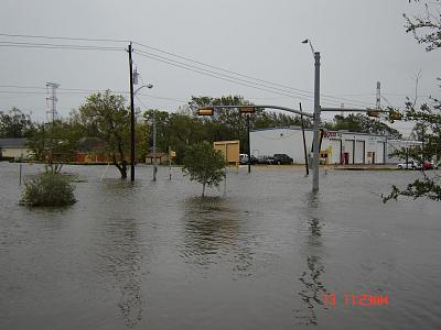 Click image for larger version  Name:hurricane ike 151.jpg Views:65 Size:97.3 KB ID:679