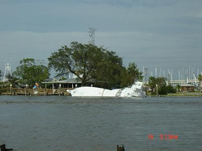 Click image for larger version  Name:hurricane ike 298.jpg Views:81 Size:33.4 KB ID:683