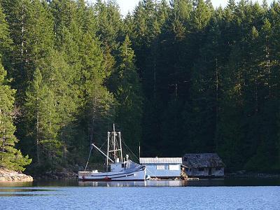 floathouse 3.jpg