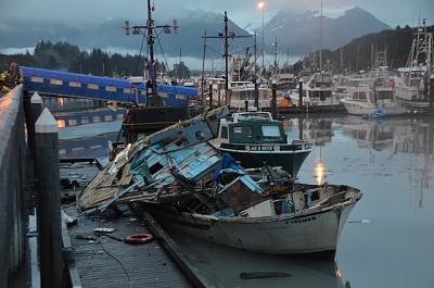 Click image for larger version  Name:boat-explosion.jpg Views:57 Size:115.8 KB ID:70423