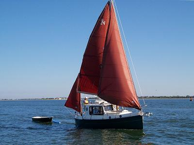 Click image for larger version  Name:undersail.jpg Views:114 Size:103.2 KB ID:70923