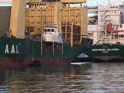 Click image for larger version  Name:Off Loading Boat.jpg Views:196 Size:139.4 KB ID:71362