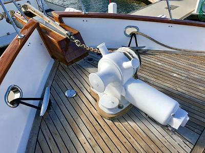 Click image for larger version  Name:Foredeck.jpg Views:46 Size:133.3 KB ID:72608