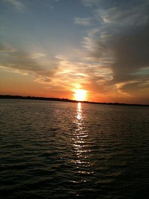Click image for larger version  Name:sunrise on the neuse.jpg Views:49 Size:60.8 KB ID:7262