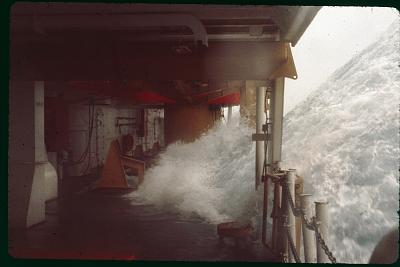 Click image for larger version  Name:Real big waves.jpg Views:67 Size:82.3 KB ID:73101
