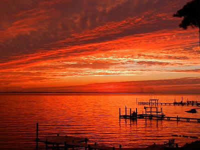 Click image for larger version  Name:1600p_sunset7.jpg Views:43 Size:147.5 KB ID:73509