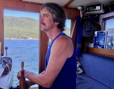 Click image for larger version  Name:Murray at helm.jpg Views:96 Size:126.9 KB ID:73863
