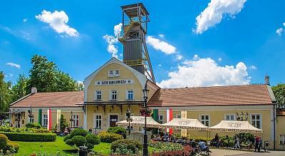 Click image for larger version  Name:wieliczka-salt-mine-krakow-1-e1488129024657-1024x560[1].jpg Views:62 Size:146.9 KB ID:73925
