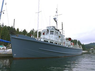 crew boat 1.jpg