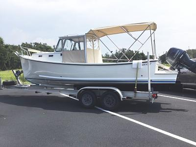 Click image for larger version  Name:Pompano 23 on trailer.JPG Views:104 Size:98.5 KB ID:80042