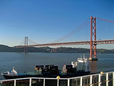 Click image for larger version  Name:lisbon bridge.jpg Views:101 Size:94.5 KB ID:8136