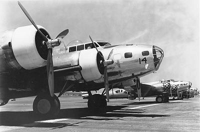Click image for larger version  Name:b-17.jpg Views:67 Size:87.9 KB ID:8144
