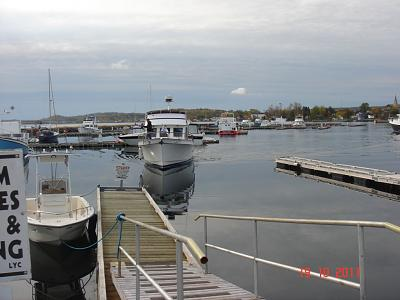 Click image for larger version  Name:arriving at lewisporte near the lift.jpg Views:98 Size:135.2 KB ID:8188