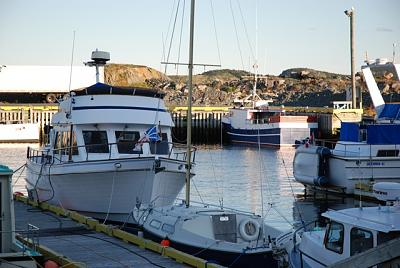 Click image for larger version  Name:resting at the dock.jpg Views:89 Size:82.5 KB ID:8194