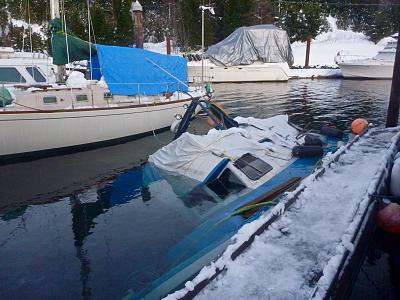 Click image for larger version  Name:Sunken Boat, MK Bay record snow.jpg Views:162 Size:140.4 KB ID:85362