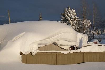 Click image for larger version  Name:Bungalow, record snow.jpg Views:81 Size:82.6 KB ID:85372