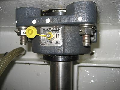 greasing prop shaft.jpg