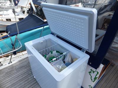 0007-filling freezer.jpg