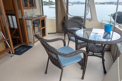 Click image for larger version  Name:14 Sundeck starboard.jpg Views:355 Size:60.8 KB ID:87129