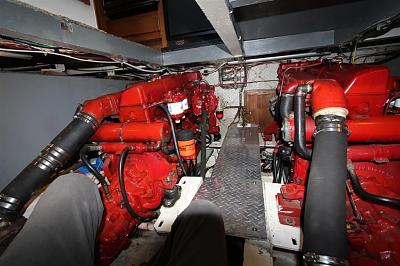 Click image for larger version  Name:Engine room Monarch III.jpg Views:78 Size:112.2 KB ID:87514