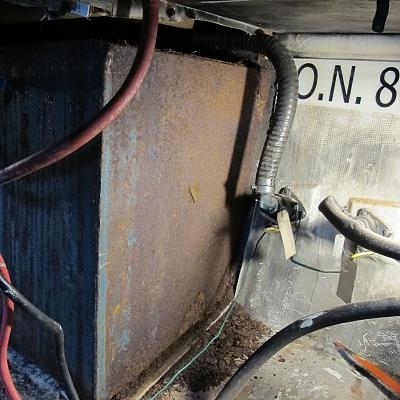 Click image for larger version  Name:Fuel tank old 1.jpg Views:67 Size:189.9 KB ID:88115