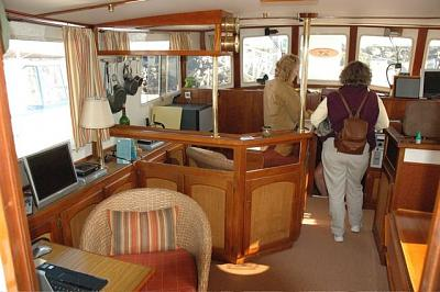 Click image for larger version  Name:interior portside.jpg Views:213 Size:75.0 KB ID:916