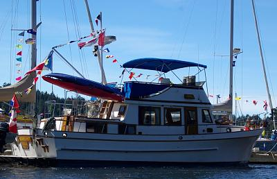 Click image for larger version  Name:boat fully dressed 2.jpg Views:73 Size:155.1 KB ID:9868